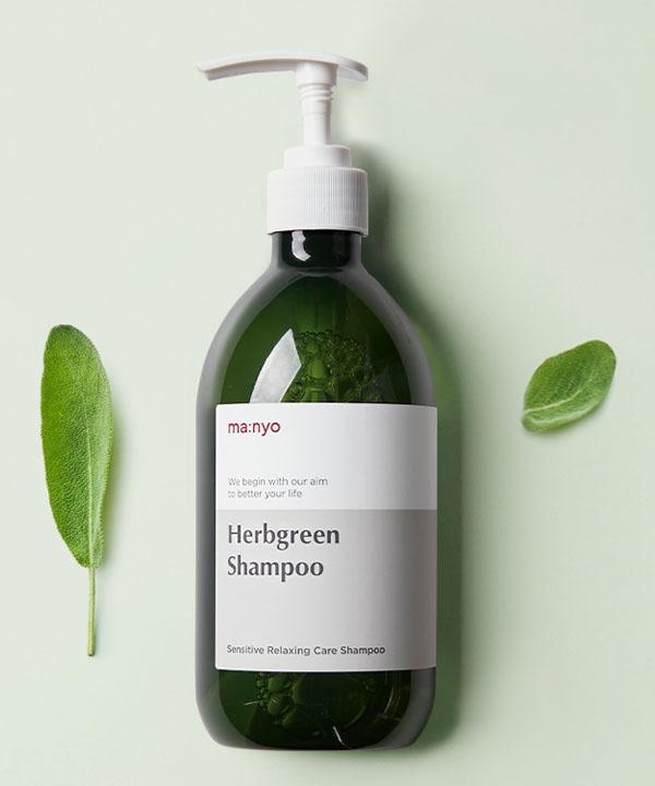 Освежающий шампунь для волос с экстрактами трав Manyo Herb Green Shampoo (510 ml)